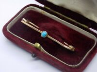 VICTORIAN ANTIQUE ENGLISH 9CT GOLD TURQUOISE STONE BAR BROOCH.   (NCB)