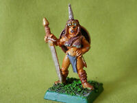 A7 WARHAMMER - FIGHTER BARBARIAN FEMALE 1980S METAL MODEL
