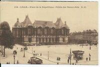 CPA 59 - LILLE - Place de la république - Palais des Beaux-Arts