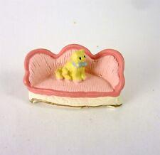 Dollhouse Miniature Quarter Scale 1:48 Cozy Pink Sofa with Cat, MA9225