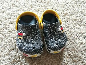 Disney Mickey Mouse Crocs Size C6 In Excellent Condition!!