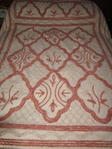 Large Vintage 1930's / 40's Candlewick Bed Covering
