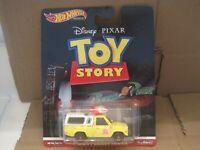 hot wheels disney pixar toy story pizza planet truck w/RR NIP 1/64
