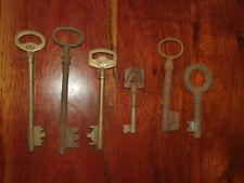 Lot de 6 clés anciennes en fer forgé de porte coffre buffet