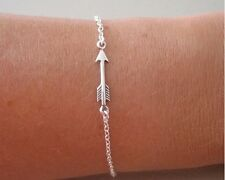 Idée cadeau  Saint Valentin : Bracelet / chaine de cheville argentée flèche