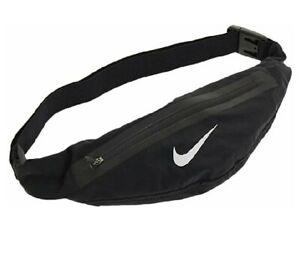 Nike Unisex Angled Zip Pocket Expandable Waistpack, Black/Silver, One Size, 007