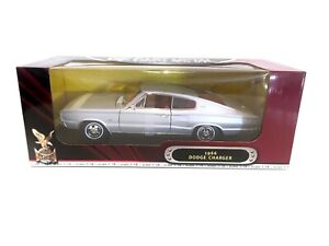 Road Signature 1966 Dodge Charger Silver 1:18 Diecast
