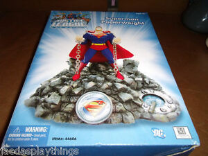 2006 DC Justice League Unlimited Superman Paperweight