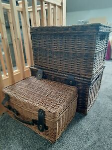 Whicker Basket with Lid - Great for a gift or for storing small items