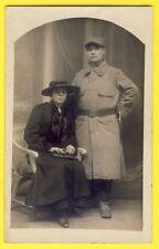 CPA Carte Photo vers 1910 FEMME et MILITAIRE SOLDAT en Uniforme du 56e Régiment