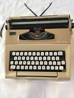SMITH-CORONA COURIER C/T TYPEWRITER CORRECTION WRITING INSTRUMENT WITH CASE