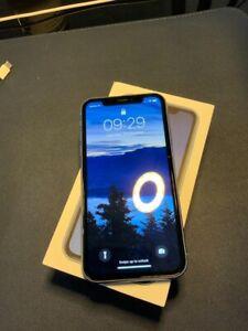 Apple iPhone XR - 64 Go - Bleu (Désimlocké)