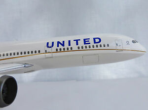 United Boeing 787-9 Dreamliner 1/200 Hogan 0069 Limox LI0069GR 787 B788 Airline