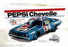 MPC 808 1/25 Scale Pepsi 1975 Chevy Chevelle Stock Car Plastic Model Kit