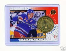 Verzamelkaarten, ruilkaarten NICKEL COIN & CARD #11  COLORADO IJshockey RARE 1997-98 PINNACLE MINT PATRICK ROY SILVER