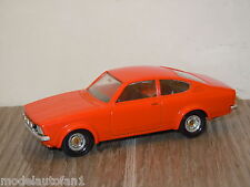 Opel Kadett Coupe GTE van Solido 70 France 1:43 *10854