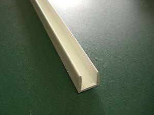 Kunststoff – U – Profil 2 m – 20 mm Aufnahme