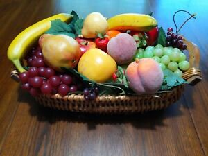 18 Pieces of Vintage Artificial Fruit And Vegetables Realistic With Basket
