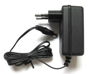Stecker-Netzteil 18V 1A stabilisiert Netzgerät AC/DC Adapter Ladekabel Kabel