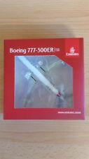 Herpa 530880 - 1/500 Boeing 777-300Er - Emirates - Hamburger Sv - Neu