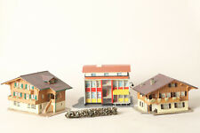 Faller Vollmer Kibri H0 3 Gebäude: 2 Berghäuser und moderne Post  (168424)