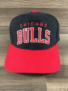 Vintage Chicago Bulls SnapBack Arch Starter Hat 100% Wool NBA Spell Out Black