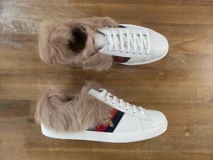 $910 GUCCI Ace white lamb fur bee motif leather sneakers 9.5 US / 43 EU / 9 UK