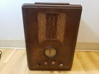 1930's Delco 106 tombstone radio. Unrestored original.