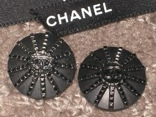 CHANEL 2 BUTTONS SILVER  CC LOGO & BLACK  17 MM/ UNDER 3/4'' NEW LOT 2
