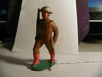 VINTAGE LEAD TOY SOLDIER; SOLDIER WALKING CARRY RIFLE ( Inv. # 1884)