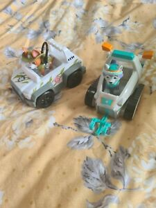 Paw patrol tracker and vehicle, Everest and vehicle