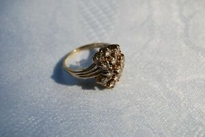 14K Solid Gold Ring with Quality 14 CZ Cluster, SZ 6; 4.1 Grams