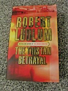 Robert Ludlum paperback books - various titles