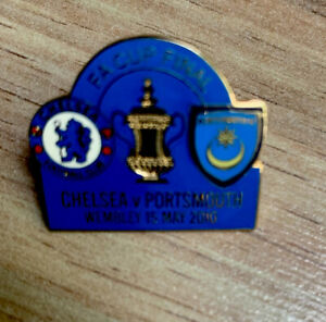 PORTSMOUTH FC PIN BADGE FA CUP FINAL 2010   CHELSEA-PORTSMOUTH