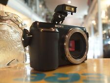 SONY (NEX-F3) DIGITAL CAMERA IN BLACK - 16.1MP / BODY ONLY !
