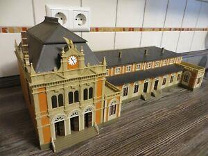 großes Gebäude * Schloss Bahnhof  * H0 * Modelleisenbahn * 3-teilig * Modellbau