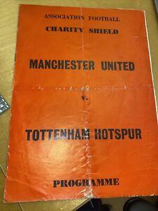 E/ Pirate 1967 Charity Shield Manchester United v Tottenham Hotspur - starkey