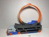 Hot Wheels - Hauler Truck - with Launcher & LOOP - 1