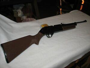 Crosman 760 BB Pellet air gun