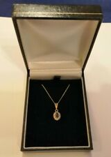 9ct gold, diamonds and sapphire pendant & chain 1.4 gms