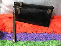 Handbag Shiraleah Black & Taupe Vegan Smooth Leather Purse Zip Clutch Wristlet
