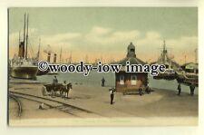 tp0414 - Hants - Empress Docks & Ships , Southampton - FGO Stuart postcard