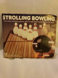 Vintage 1980 Tomy Strolling Bowling Wind-Up Toy Portable Game Table Top Bowl