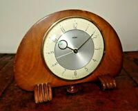 Vintage Mid Century Electric Metamec Mantel Clock with Solid Oak Panel Casing