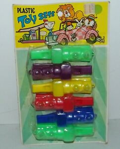 Vintage Dime Store Rack Toy Party Pack 6 Plastic Train Whistles New NOS Sealed