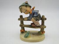 Old Goebel Hummel Figurine Retreat To Safety #201 2/0 TMK4 3 7/8in
