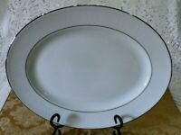 "Lenox China Hannah Platinum Pattern Oval Platter 13 1/4"""