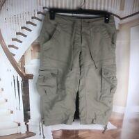 The North Face Women's Capri's Size 8 Beige Sport Pants Shorts Cargo Pockets