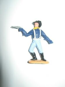 Timpo 7th cavalry 1 st series soldier with pistol very good condition  no 6