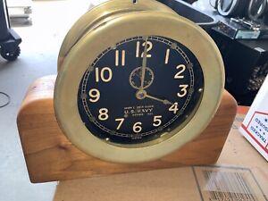 WW2 Chelsea Mark I Deck Clock Bakelite US Navy Black Face 1943 Wooden Base Brass